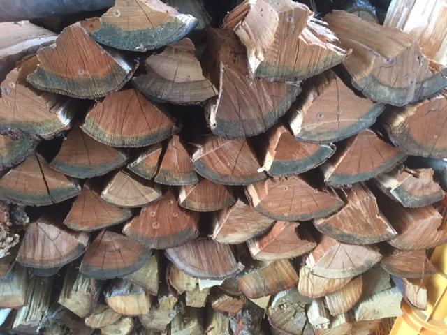 サクラの薪です。