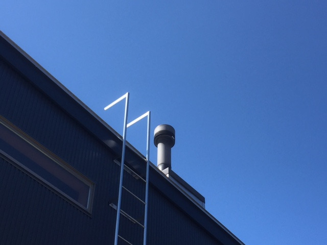 【薪ストーブメンテナンス】煙突の耐熱スプレーについて