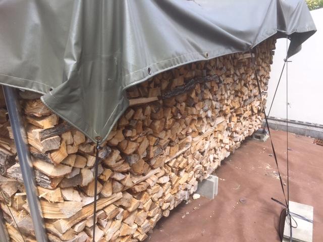 ナラの薪棚