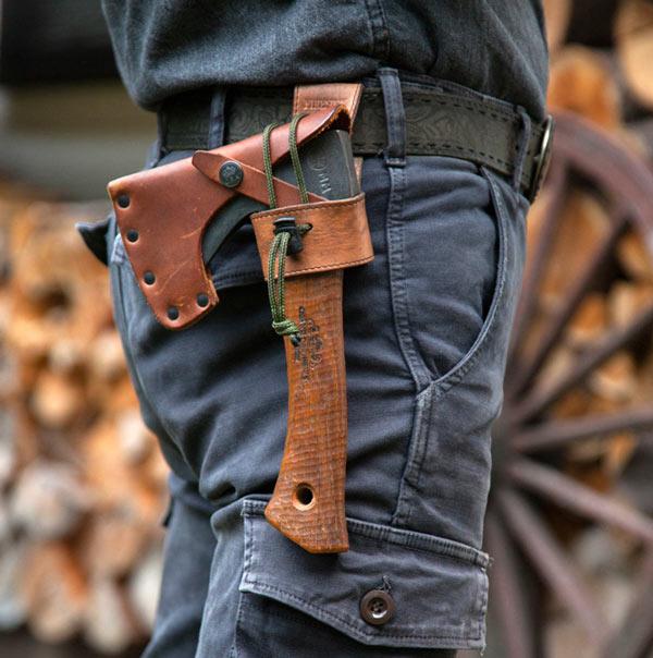手斧をオシャレに装備したい!!新発売「アックスホルスター」