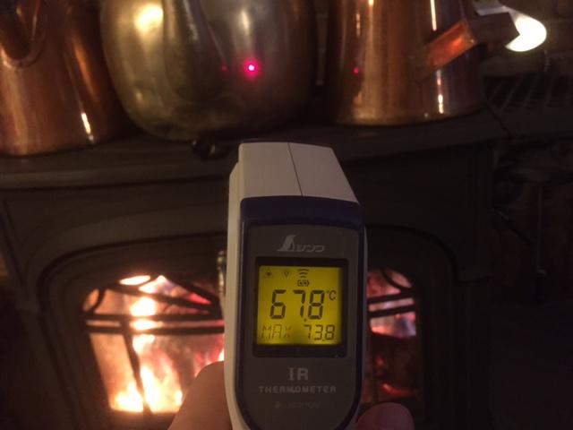 【ストーブの温度】赤外線温度計で温度を測る