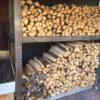【ほとんど生木だけど大丈夫?】ちょっと気になった関市 カフェアダチの薪棚の薪