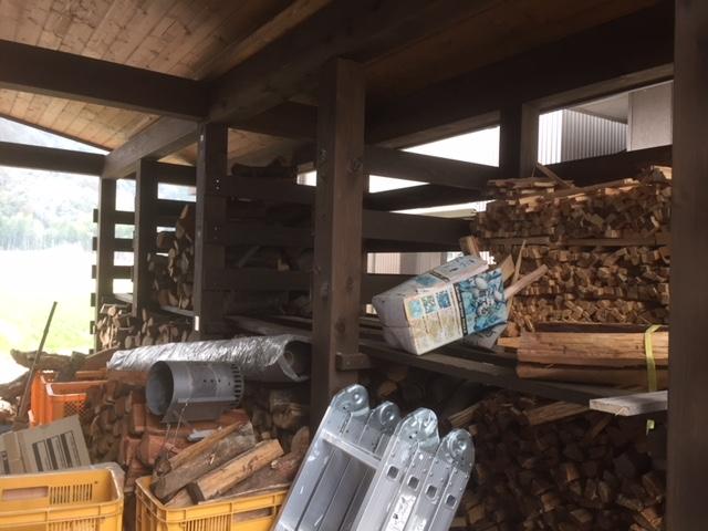 【薪棚改善】敷居をインパクトドライバーでズリュンと入れる。
