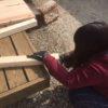 【DIY】棚で使った間柱の端材と2×4材で机を作りました。材料費トータル3500円くらいかな。