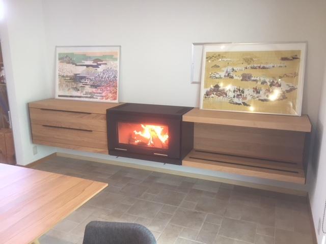 【モダン薪ストーブ】ファイヤーライフ岐阜で、スキャンサーム バランスの火入れに立ち会ってみた。