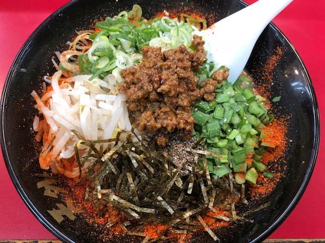 モチ吉、ラーメン天外長良店オリジナルメニュー「焔摩天麺」を食べる。