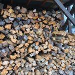 キャンプ用薪の準備
