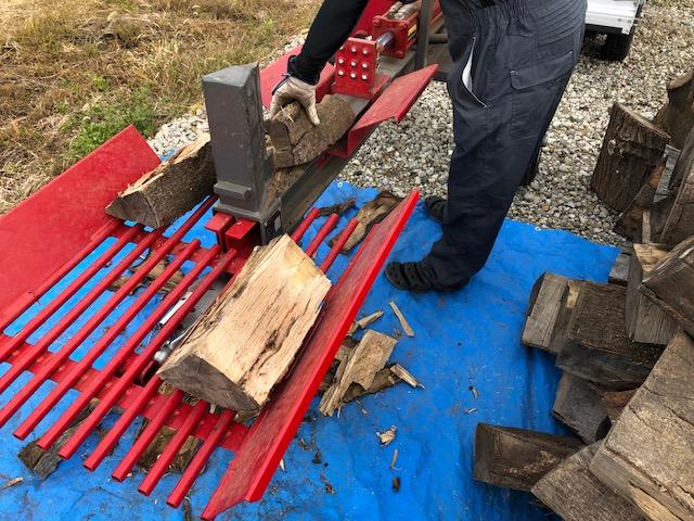 2018ワンダーデバイスオーナーが薪割り機を借りに来た件