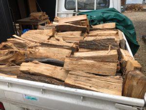 選木乾燥薪の納品
