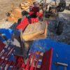 在庫のカシ玉(35cm)を割る。カシはマシンだと凄く割りやすい。