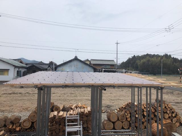 続・新薪棚の屋根施工