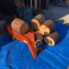 はい、針葉樹30cmを割り始めました。