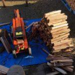 自宅用針葉樹のまき割りを始める