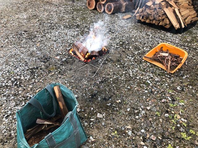 【薪づくり】朝から焚火しながら薪の移動と玉割り